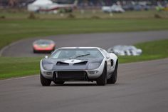 Ford GT Prototype (1964 Chassis GT/105 - 2013 Goodwood Revival)