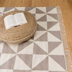 teppich almi teppiche dreieck und skandinavisches design. Black Bedroom Furniture Sets. Home Design Ideas