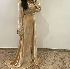 Luxury Evening Dresses Luxury Evening Dresses Long Red Carpet Gown Moroccan Kaftan by TheKaftanStore Hijab Dress Party, Moroccan Caftan, Red Carpet Gowns, Caftan Dress, Traditional Dresses, Beautiful Dresses, Evening Dresses, Abaya Dubai, Kurdistan