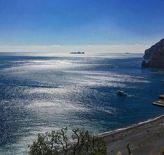 Glistening waters in bright March sunlight. Photo by writer Katie Devine taken during #Sirenland2016