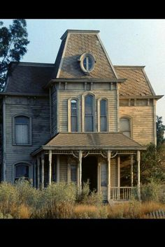 This is the Psycho house... it has only a front and a side!