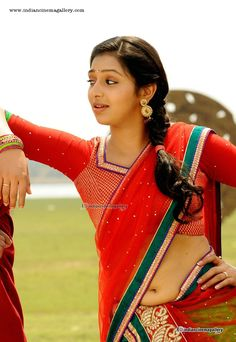 Sexy Actress Lakshmi Menon Navel Show First Time
