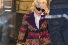 Коко Шанель и ее твидовый костюм / фото 2019 Rihanna, Street Style Looks, Vogue Paris, Marilyn Monroe, Preppy, Blazer, Blog, Jackets, Wedding