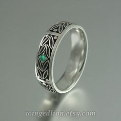 EVERGREEN LAUREL silver wedding band with Emerald