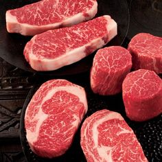 Dense marbling, juicy flavour and tender cuts are Wagyu meat hallmarks. Allen Brothers offers up the rare breed in a mouthwatering Wagyu Beef Sampler for the carnivorous connoisseur on your list. Wagyu Meat, Cooking Tips, Cooking Recipes, Cooking Food, Crockpot Recipes, Smothered Pork Chops Recipe, Beef Tenderloin, Tenderloin Recipe, Braised Pork