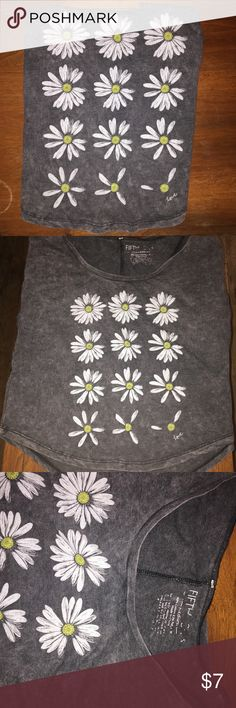Daisy Tee Charcoal graphic tee in good, but worn condition. It's a size junior's medium. From the brand fifth sun. Fifth Sun Tops Tees - Short Sleeve