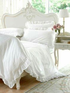 Charming Shabby Chic French Bed
