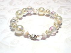 Bridal Bracelet, Beaded Bracelets, Pearl Color, Heart Jewelry, Pearl Necklace, Handmade Jewelry, Jewellery, Pearls, Hot