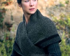 Outlander Claire Rent Shawl Triangle Tweed Highlands Wool, 4 Color Options, Made…PDF Knitting Pattern Outlander Claire& Rent Shawl by KnitzyBlondeThis is the knitting pattern for Claires Rent Shawl. To knit this shawl you will…Crochet Patterns Sh Knitted Shawls, Crochet Shawl, Knit Crochet, Capelet Knitting Pattern, Knitting Needles, Hand Knitting, Knitting Machine, Knitting Scarves, Claire Outlander