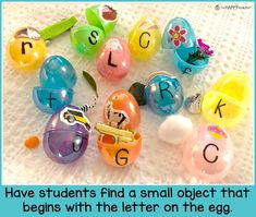 Cute Easter phonics activity for preschool and Kindergarten kids. Have students find a small object that begins with the letter on their egg. The item must fit inside the egg. Fun and easy alphabet and phonics activity. Preschool Projects, Preschool Literacy, Easter Activities, Alphabet Activities, Literacy Activities, Toddler Preschool, Kindergarten Phonics, Head Start Classroom, Classroom Ideas