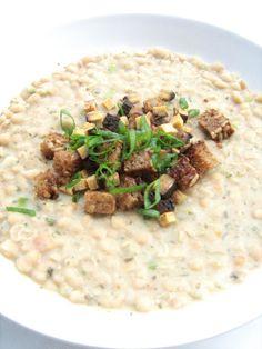 Herbivore Food: Weiße Bohnensuppe mit Croutons und Räuchertofu