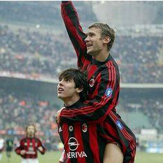 E essa dupla ai? - - Milan botava medo nessa época - - E hj? Nada... - - Marque seu parceiro de bola ai! ✌️⚽️