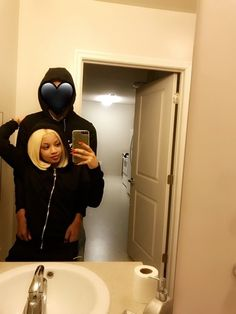 No face no case type relationship, cuz once certain people know who you fw so many rumors and the past all of a sudden pop up! Relationship Pictures, Couple Goals Relationships, Relationship Goals Pictures, Couple Relationship, Black Love Couples, Cute Couples Goals, Bae Goals, Photo Couple, Boyfriend Goals