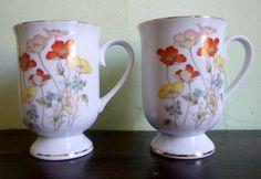 VENTA pintada las tazas de porcelana por FarewellAndGoodnight, $10.00