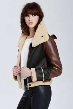 When the cold comes in, keep things toasty with new moto jackets, blazers, cape coats, and anoraks. Nasty Gal knows how to heat you up! Coats For Women, Jackets For Women, Clothes For Women, Peau Lainee, Mode Mantel, Leather Jacket Outfits, Aviator Jackets, Winter Stil, Vintage Outfits