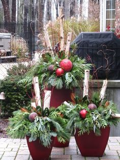 36 Awesome Outdoor Holiday Planter Ideas To Beauty Porch Décor Outdoor Christmas Planters, Christmas Urns, Outdoor Christmas Decorations, Rustic Christmas, Christmas Wreaths, Holiday Decor, Holiday Centerpieces, Birch Tree Decor, Birch Branches