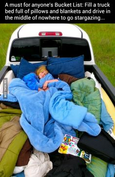 Insanely Easy Ways To Make Your Road Trip Awesome This would be such a fun date, I would love going somewhere on a warm summer night and stargazing.This would be such a fun date, I would love going somewhere on a warm summer night and stargazing. Summer Fun, Summer Time, Summer Nights, Summer Goals, Winter Time, Kombi Trailer, Stuff To Do, Things To Do, Summer Things
