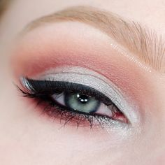 'Cold As Fire' look, gorgeous use of both warm and cool tones by Dressed-In-Mint using Makeup Geek's Mercury, Bitten, Cocoa Bear, Peach Smoothie, and Vanilla Bean eyeshadows.