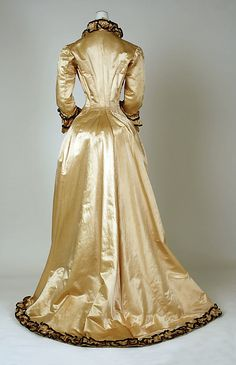 Dress (Tea Gown).  Date: ca. 1880. Culture: American. Medium: silk. Dimensions: Length at CB: 68 1/2 in. (174 cm).