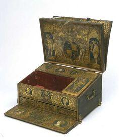 Henry VIII's writing desk, c.1525 V Museum