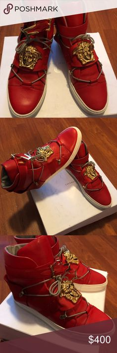 Authentic Versace Medusa high top sneakers 10.5 Pre-owned Versace Medusa Head high top sneakers men 10.5 , 100 %  Authentic. I️ paid over 1,100$ for each , I'm asking for 400$ for each due to estate liquidation. Versace Collection Shoes Sneakers