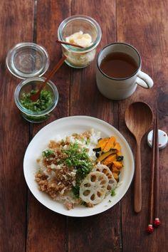 我が家の鶏そぼろ。 by 栁川かおり 「写真がきれい」×「つくりやすい」×「美味しい」お料理と出会えるレシピサイト「Nadia   ナディア」プロの料理を無料で検索。実用的な節約簡単レシピからおもてなしレシピまで。有名レシピブロガーの料理動画も満載!お気に入りのレシピが保存できるSNS。