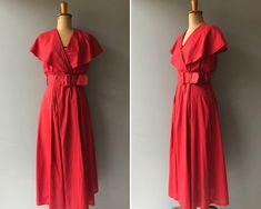 Vintage 80s Red Cotton Romantic Boho Maxi Dress   #etsy #clothing #women #dress #bohohippie #vintagedress #vintagereddress #reddress #romanticdress #80sdress Vintage Red Dress, Vintage Dresses, 80s Dress, Wrap Style, Cotton Dresses, Wrap Dress, Fashion Dresses, Boho, Romantic