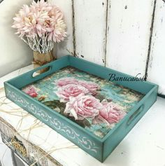 Decoupage with stencil - Decoupage with stencil - Decoupage Vintage, Decoupage Paper, Wallpaper Nature Flowers, Painted Trays, Shabby Chic Crafts, Tray Decor, Diy Crafts To Sell, Painting On Wood, Wood Crafts