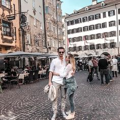 When in Innsbruck.❤️ it's one year ago we moved away from this charming city in the mountains ⛰️ but it will forever feels like home ✨ do you have the same feeling with a city or place? Safari, Who Book, Hotels, Wanderlust, Innsbruck, Am Meer, Beautiful Places To Visit, The Next, Make More Money