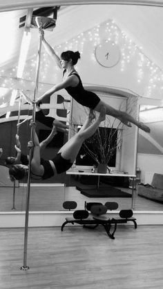 Festive doubles in the Pole Position Scotland studio! Pole dancing to get into the Christmas season
