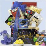 This is a wonderful online graduation gift basket that you can send to one of the kids in the neighborhood, or a friend or relative who is graduating from high school or college. Unique Graduation Gifts, Graduation Presents, Grad Gifts, Graduation 2015, Autograph Books, Chocolate Gifts, Snacks, Creative Gifts, Gift Baskets