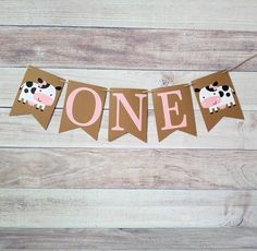 Add this Girl Cow banner to your babies high chair for the perfect birthday photo! Happy Birthday Cow, Baby Girl 1st Birthday, Girl Birthday Themes, Farm Birthday, Happy Birthday Banners, Birthday Ideas, Birthday Cake, 80th Birthday Party Decorations, Cow Birthday Parties