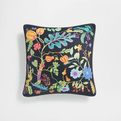 Image of the product Black leaf print linen cushion cover