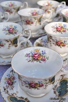 Porcelana inglesa - Royal Albert.