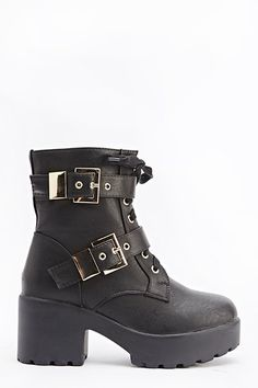 Twin Buckle Strap Heeled Boots for £5 @ Everything5pounds.com