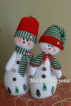 1 million+ Stunning Free Images to Use Anywhere New Year's Crafts, Christmas Projects, Felt Crafts, Christmas Crafts, Christmas Decorations, Christmas Baubles, Felt Christmas, Christmas Snowman, Christmas Holidays