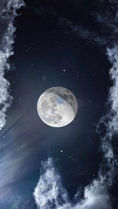 Moon Sky 4K IPhone Wallpaper - IPhone Wallpapers