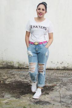 LOOK: T-SHIRT, CALÇA DESTROYED E ALLSTAR (www.cubodeacucar.com)