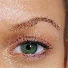 Stiai ca doar 2% din populatia mondiala are ochii verzi?! Cu lentilele colorate de la Lent Optik poti obtine ochii verzi in cateva secunde...