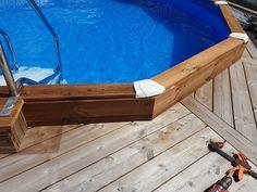 Udskiftning af stålkanter til trækanter på stålpool Bath Caddy, Om, Design