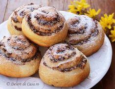 Melcisori cu nuca - Desert De Casa - Maria Popa Vegan Sweets, Sweets Recipes, Desserts, Bagel, Doughnut, Tiramisu, Sweet Tooth, Muffin, Low Carb