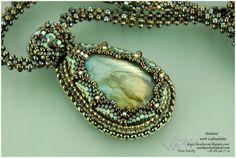 Lovely Stone – Beaded Jewellery by Nata Karsky: Pendant with Labradorite