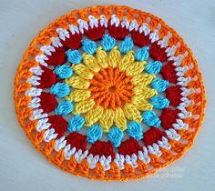 Weaving Arts in Crochet: Cover w / stool Redondo! Motif Mandala Crochet, Art Au Crochet, Boho Crochet Patterns, Crochet Diy, Crochet Circles, Crochet Motifs, Crochet Blocks, Weaving Patterns, Crochet Squares