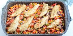 Kyllingeinderfilet i fad med blomkålsris og grøntsager Lchf, Keto Recipes, Recipies, Food And Drink, Chicken, Baking, Dinner, Drinks, Tips