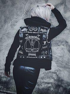 Anne-Cécile Van Doren - Diy Battle Jacket, H&M Fake Leather Pants, Topshop Black Hoodie - Krieg