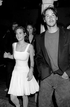 Winona Ryder and Keanu Reeves Have Been Giving Us (and Each Other) Heart-Eyes Since 1989 - Celebs Winona Ryder 90s, Popsugar, Spirit Awards, Gary Oldman, Entertainment Weekly, Celebrity Makeup, Celebrity Photos, Johnny Depp, Keanu Reeves Pictures