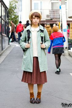 Vintage style outfit with mint coat, midi skirt, beret, loafers and floral socks in Harajuku. Mode Harajuku, Harajuku Fashion, Kawaii Fashion, Cute Fashion, Skirt Fashion, Trendy Fashion, Vintage Fashion, Fashion Trends, Fashion Fashion