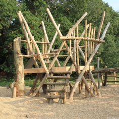 Bespoke climbing equipment and trim trails for school playgrounds suitable for children with a wide range of different ages and physical abilities. Playground Ideas, Garden In The Woods, Play Spaces, Playgrounds, Imaginative Play, Childcare, Outdoor Ideas, Infinite, Climbing