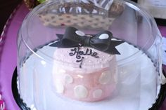 Smash Cake from a Minnie Mouse Party #minniemouse #smashcake