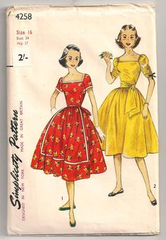 A charming 1950s Simplicity pattern for two lovely short sleeved summer dresses. #summer #dress #vintage #sewing #pattern #sash